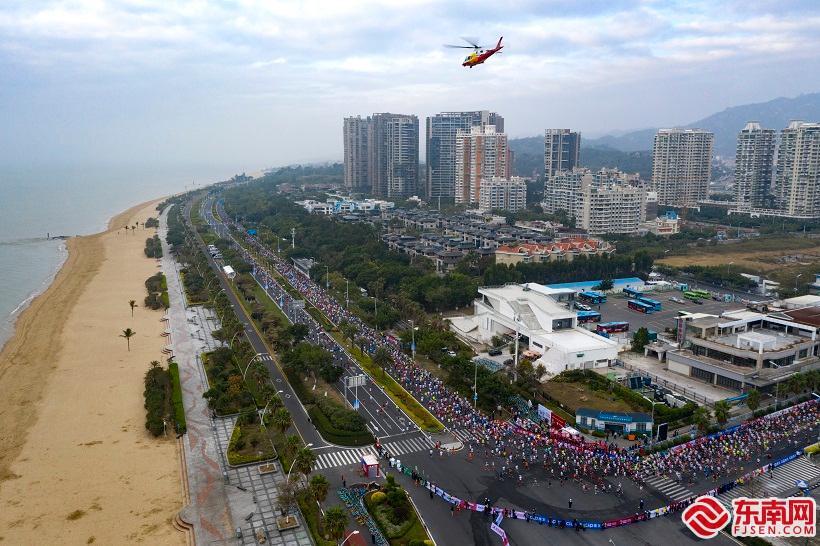 2020厦门马拉松赛鸣枪开跑 埃塞俄比亚选手包揽男女冠军图3
