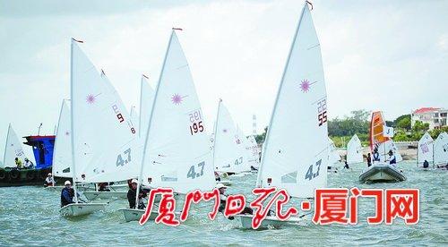 福建省青少年帆船帆板锦标赛昨在厦扬帆