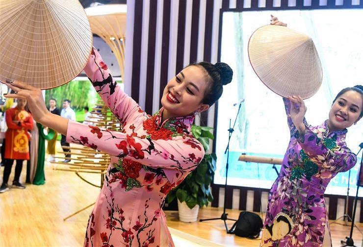 (中国—东盟博览会)(5)东盟服饰秀添彩东博会